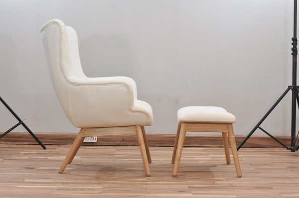 Mahogany chairs leather white 001